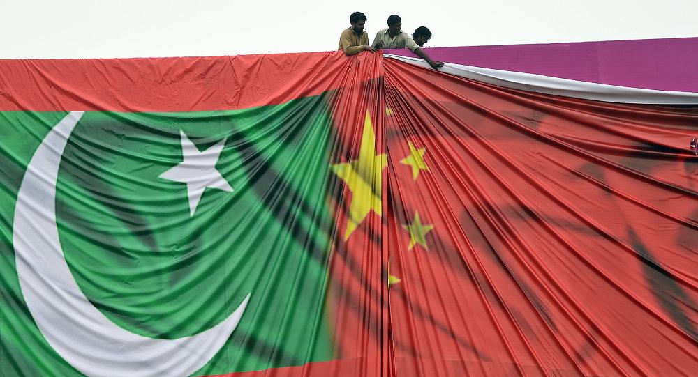 习近平:中国和巴基斯坦是独一无二的全天候战略合作伙伴