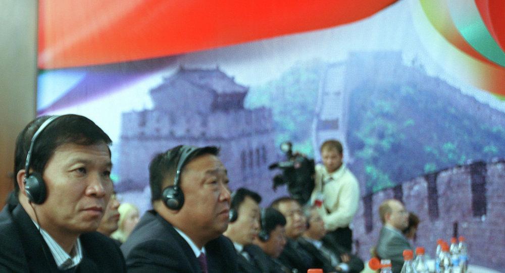 中国企业家:俄罗斯应为中国商企人员简化商务签证制度