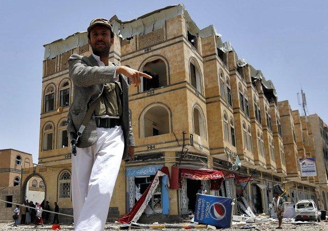 伊朗就沙特阿拉伯禁止向也门运送人道主义救援物资抗议