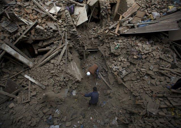 尼泊尔内政部:尼泊尔洪水和山体滑坡已致111人死亡