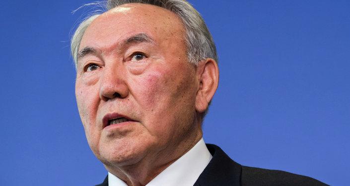纳扎尔巴耶夫在哈萨克斯坦总统大选中获胜图片