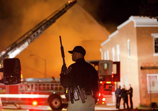 美巴尔的摩爆发骚乱 国民警卫队进入战备状态