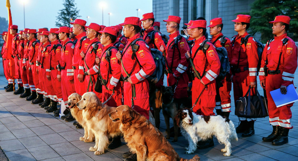 中国人道主义救援飞机前往尼泊尔