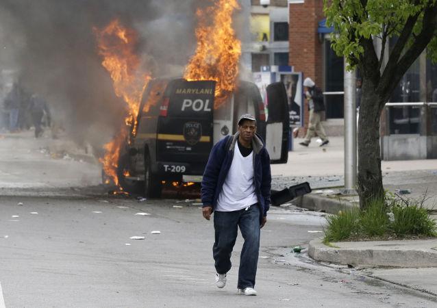 多尔戈夫:巴尔的摩骚乱暴露了美国系统性的种族歧视