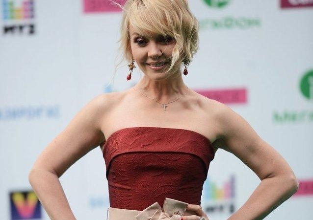 俄罗斯国宝级歌手瓦列莉娅
