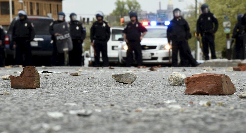 美巴尔的摩6名警察被控杀害非洲裔青年