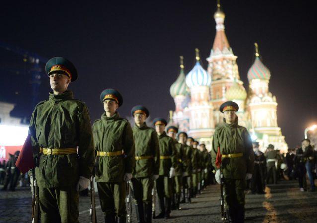 普京下令:明年俄罗斯军队编制人数将为190万人