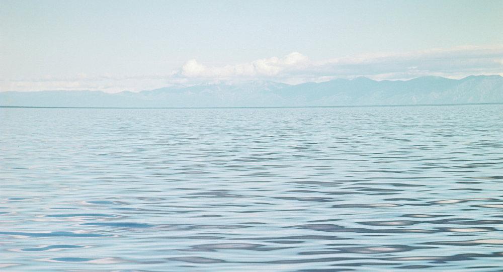 中企拟在布里亚特建贝加尔湖水装瓶厂