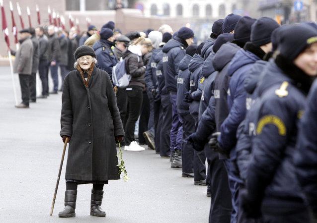 伊万诺夫:俄看到正在欧洲增加的新纳粹主义情绪的威胁