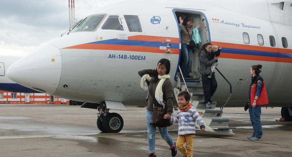 俄联邦紧急情况部的两架飞机