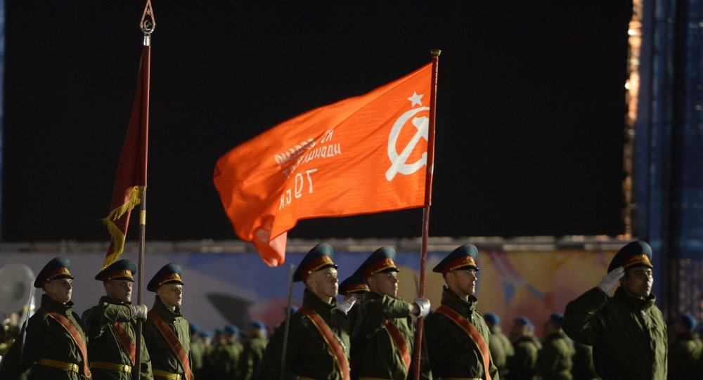 阿穆爾州首府在5月9日來臨之際升起勝利旗幟複製品