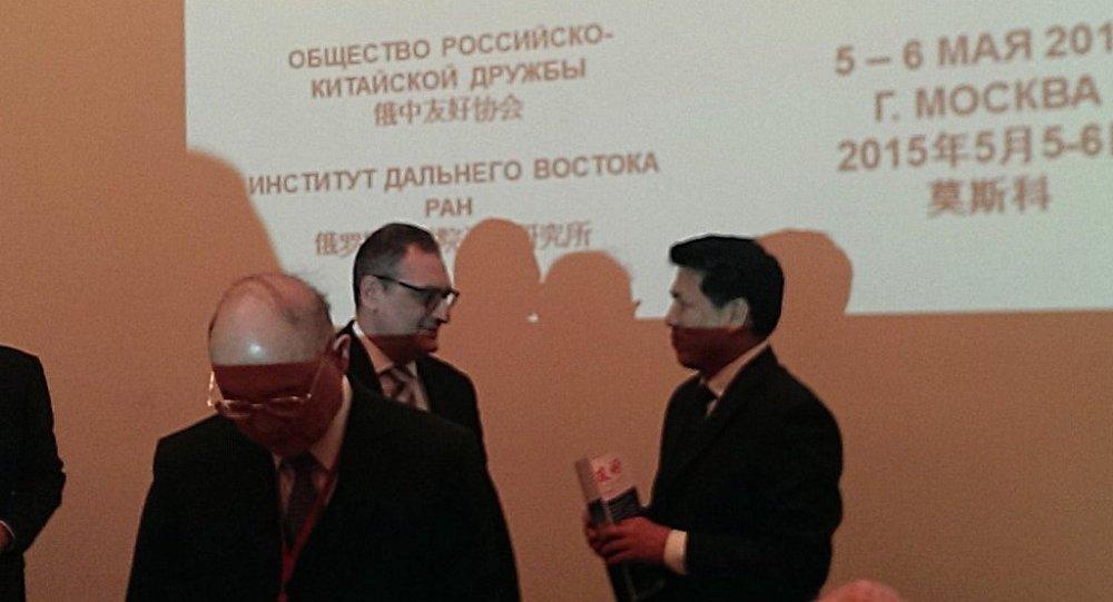 李輝大使與俄羅斯外交部副部長莫爾古洛夫