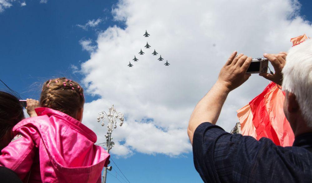 莫斯科勝利日閱兵空中部分彩排
