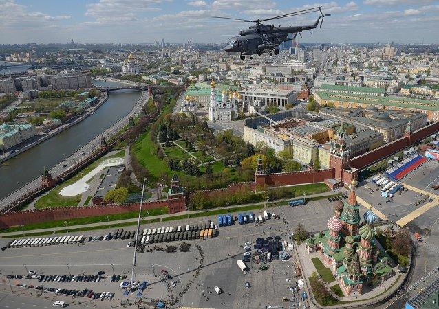 专家:习近平出席莫斯科阅兵弥补欧美各国领导人的缺席