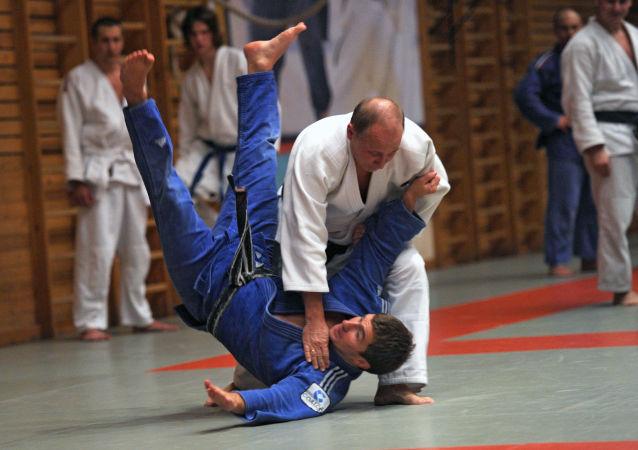 普京合著的柔道教材发布会在莫斯科举行
