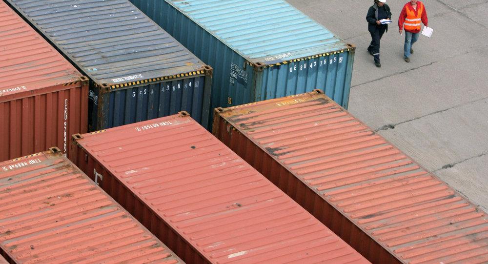 在港口的货柜/资料图片/