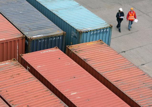 中国东宁口岸前四个月对俄小家电等产品出口额超5亿元人民币