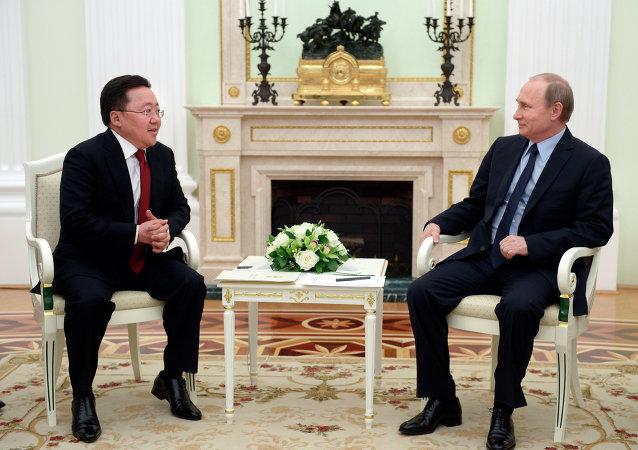 普京:夏天将举行俄罗斯、蒙古和中国领导人三边会议