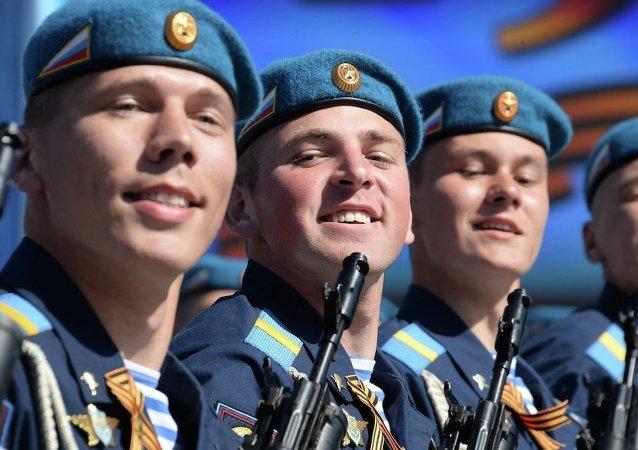 俄国防部:东部军区约7千军人将参加胜利日阅兵