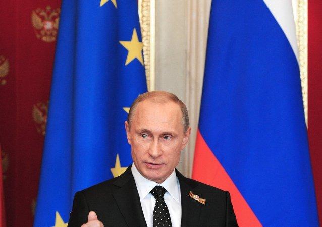 俄罗斯总统普京与德国总理默克尔联合新闻发布会