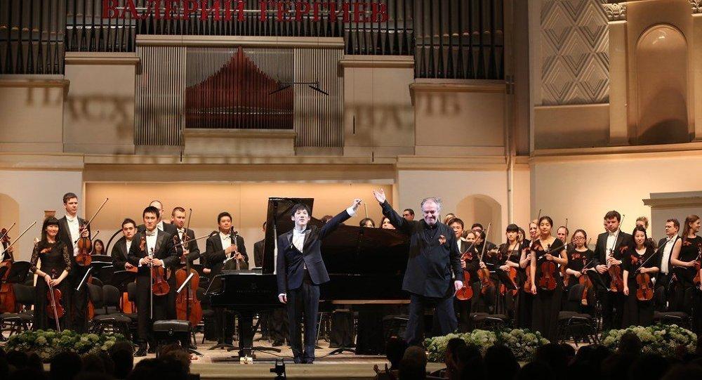 俄中青年交响乐团首次在莫斯科登台