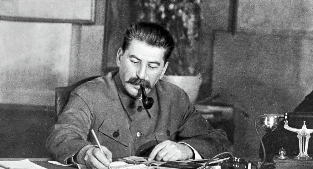 民调:半数俄罗斯人认可斯大林在战争时期对国家的领导