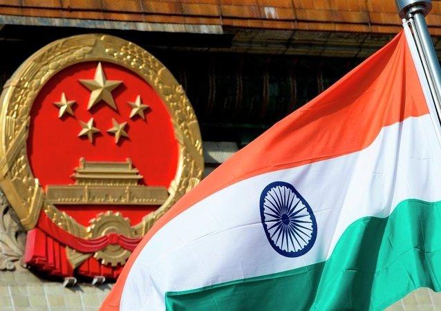 印度和中国在两国实际控制线地区举行演习