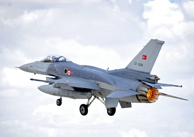 """因""""侵犯领空"""",土耳其歼击机击落叙利亚飞机"""