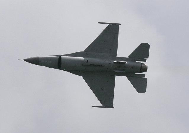 """F-16""""战隼""""飞机"""