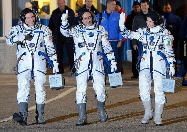 """考察组6月11日将从国际空间站登上""""联盟TMA-15M""""飞船"""