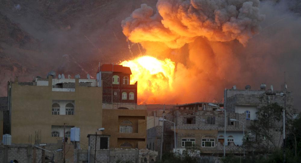 沙特联军空军对也门首都萨那予以沉重打击