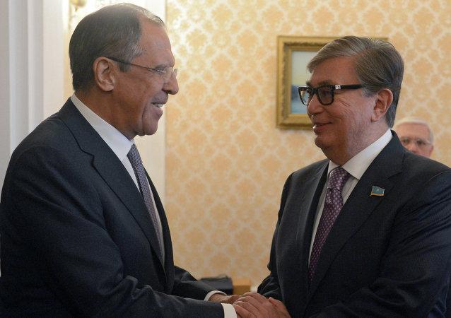 俄罗斯外长拉夫罗夫和哈萨克斯坦参议院议长托卡耶夫