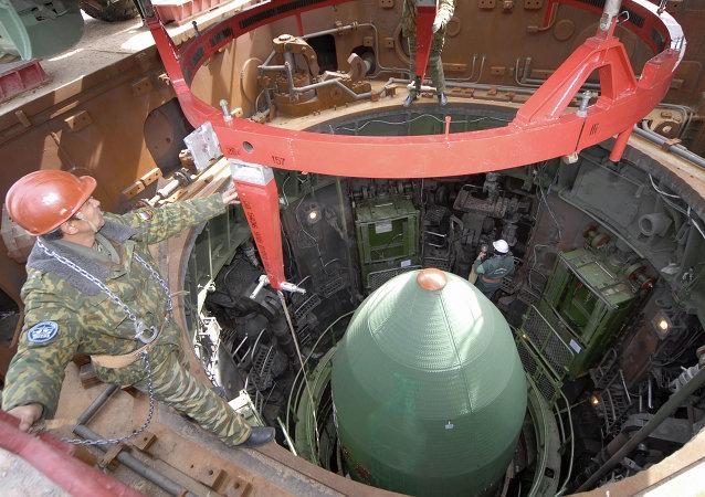 准备发射PS-20导弹/资料图片/