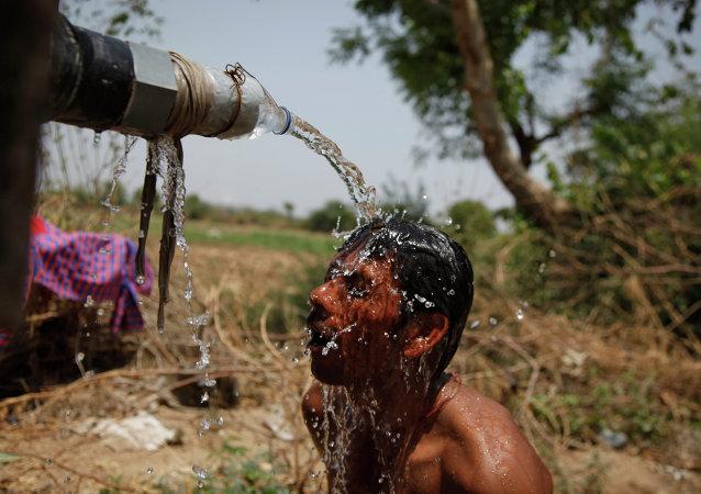 在印度逾500人热死