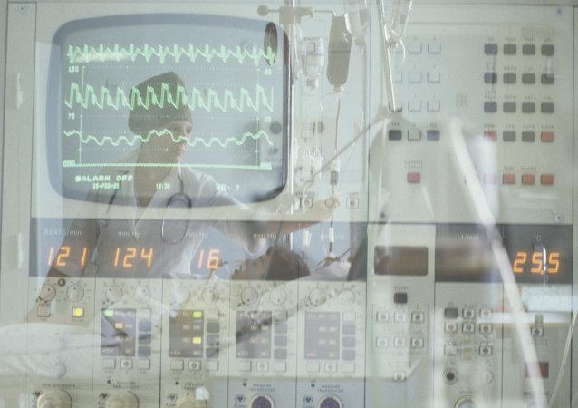 英国心脏病专家警告胸部疼痛应立即就医