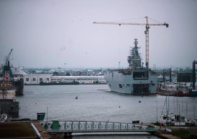 """法国完成了第二艘""""西北风""""级航母的建造"""