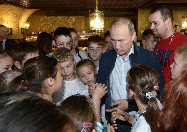普京将参加儿童保护日活动