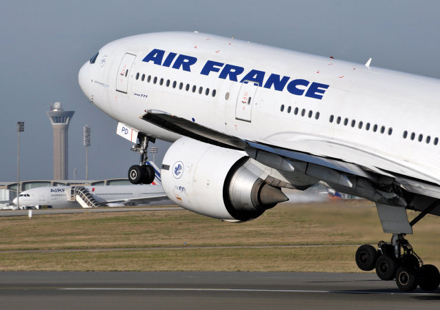 """法航客机在肯尼亚紧急迫降系""""虚惊一场"""""""