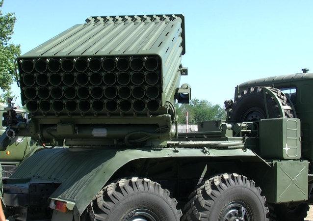 """""""旋风-G""""多管火箭炮系统"""