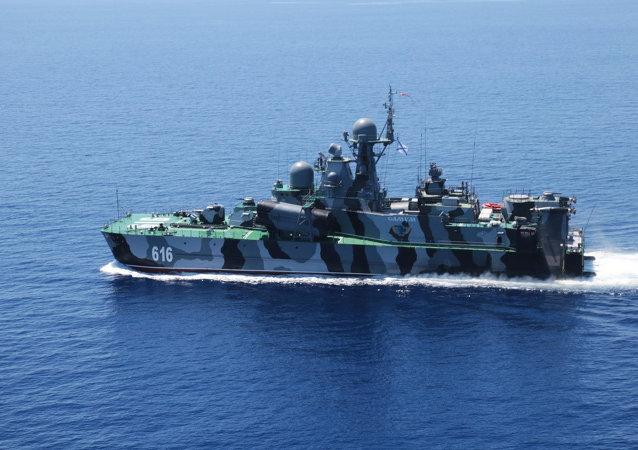 俄国防部:俄海军将加强为新一代舰艇和潜水艇训练船员