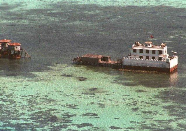 中方在南沙群岛开展岛礁建设的主要目的是为完善岛礁相关功能