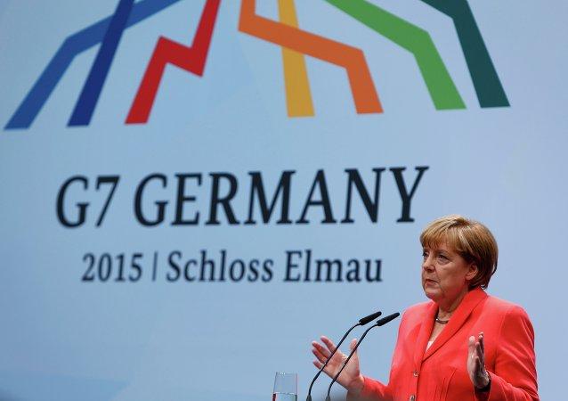 德国总理:七国集团首脑或因乌克兰冲突加强对俄制裁
