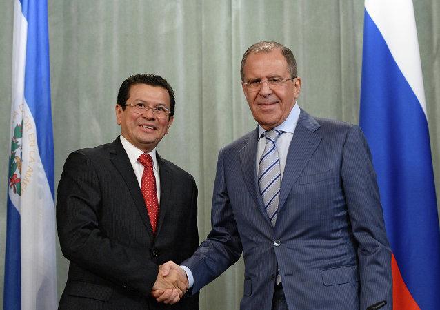 俄外长:美国至今未具体阐明其对俄方违反《中导条约》的言论
