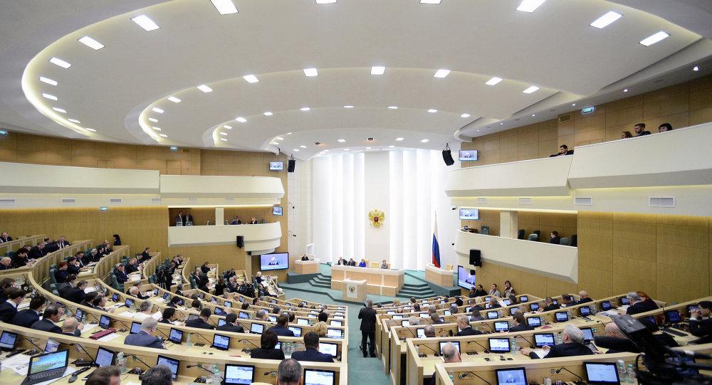 俄议会上院通过媒体-外国代理人法