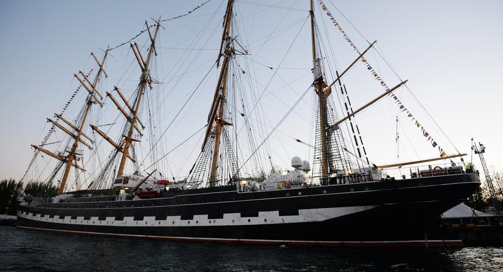 """俄罗斯三桅帆船""""kruzenshtern""""/克鲁森斯特恩/号"""