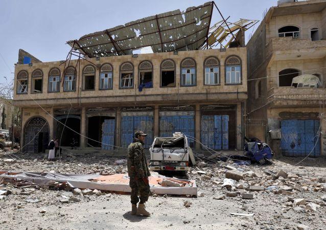 也门汽车炸弹袭击事件致15死20伤
