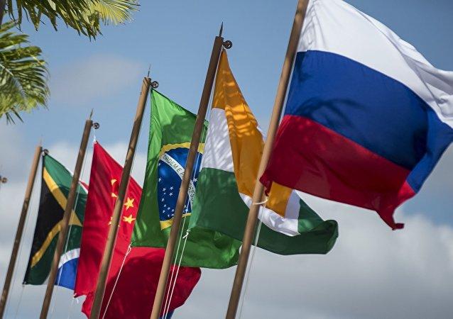 中国商务部长:金砖国家应在贸易投资领域探索建立一体化大市场