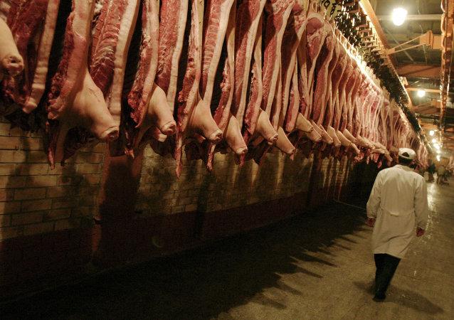 """俄生产商:中国过10-15年""""注定""""会从俄罗斯进口肉类产品"""