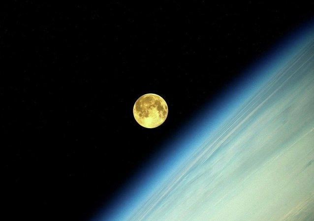 媒体:俄航天集团将建可容纳12人的月球基地