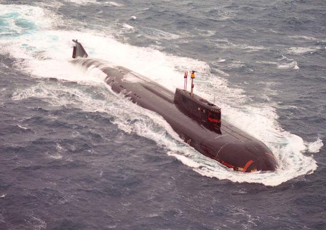 俄北方舰队扫雷舰与潜艇在巴伦支海演习